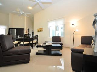 A302 - 3 Bedroom-Ocean View Rooftop with Pool, Playa del Carmen
