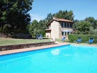 Tuscany Farmhouse with Pool for Families - Casa Leonardo