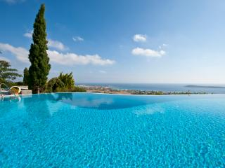 Greek Island Villa with a Private Pool and Spectacular Views - Villa Drios