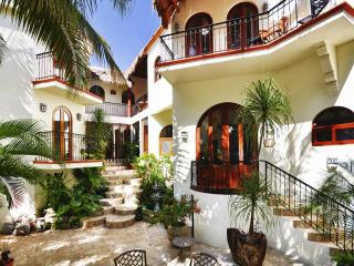 5 Bedroom  4,800 Sq Ft Villa in Playa Del Carmen, Playa del Carmen