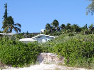 Beautiful Beachfront Home, Harbour Island