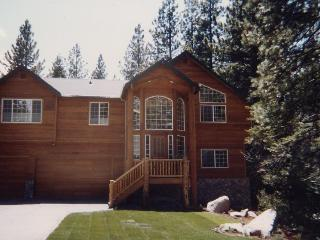 Black Bear Lodge Home w / Hotub - DirecTV - High Speed Internet