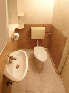 Double room bathroom_1