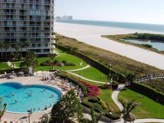 Marco Island South Seas Club  Beachfront Beauty, Isla Marco