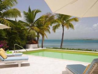 Sea Pigeon at Jumby Bay, Antigua - Beachfront, Pool, Haven Of Privacy And