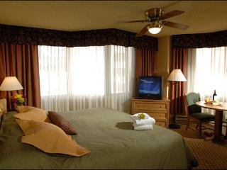 King Suite at The Grand Lodge - Spacious and Stylish Accommodations (1115), Crested Butte