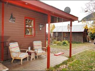 Cozy Family-Friendly Property - Centrally Located (1192), Crested Butte