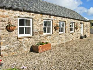 THE BYRE close to the North Pennines, ideal for walkers, with a shared garden, n