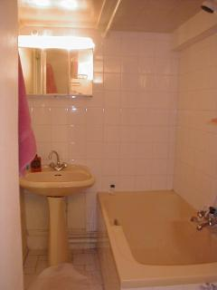 shower, bath & toilet