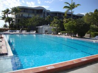 Key West Beachfront Luxury 2/2 Condo  A212