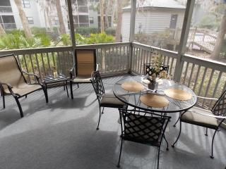 Spacious screened in patio - view of 1 of 3 pools