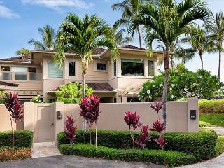 Hualalai Fairway Villa 104D - Festive Availability - Luxury Location!