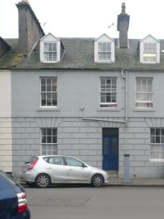 Beautiful centrally located ground floor apartment