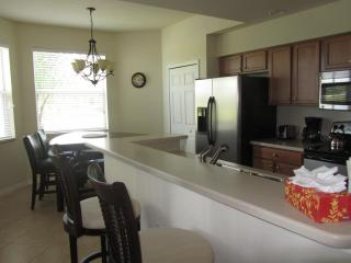 2 bedroom condo in beautiful Heritage Bay, Naples
