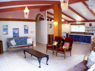 Ann's Beach House - right on Rarotonga's best beach