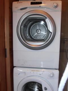 Washing (8kg), Dryer (9kg)