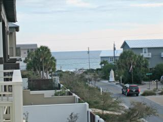 Beautiful Gulf View Home, 100 yards to the Beach!, Panama City Beach