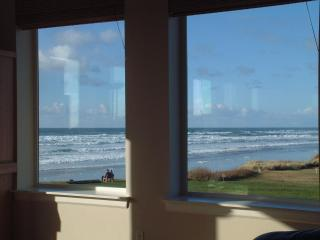 OurSandCastle Luxurious Yachats Vacation Rental