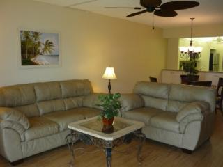 Cozy and Comfy...perfect Island Location in Gated Resort-Beach access !