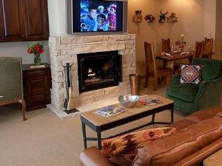 Taos 3 Bedroom Ski In/Out Vacation Rental, Taos Ski Valley