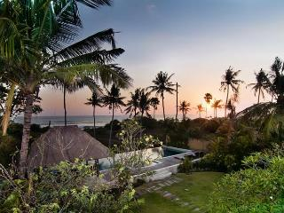 ABSOLUTE BEACHFRONT PARADISE 7 BDR, NORTH SEMINYAK, Perfect For All Ages!