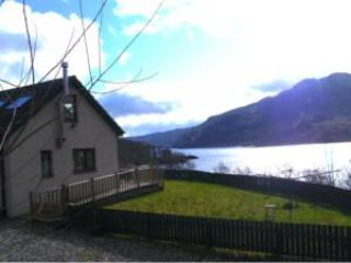2 Bed Cottage Overlooking Spectacular Loch Katrine, Callander