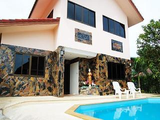 3 BDRM  FAMILY VILLA  PRIVATE POOL TROPICAL GARDEN, Choeng Thale
