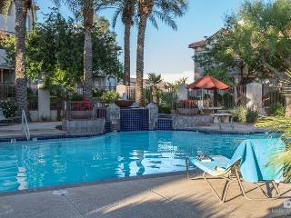 Perfect Location walking distance to everything!, Phoenix