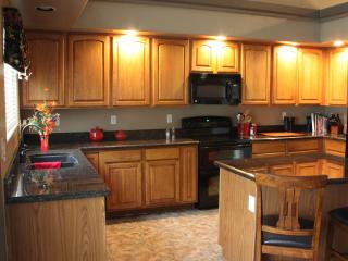 Granite Kitchen - Fully Equiped
