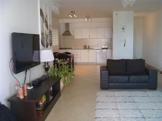 Modern 3 BR Apartment in South Beach, Netanya, Fantastic Location with Sea View