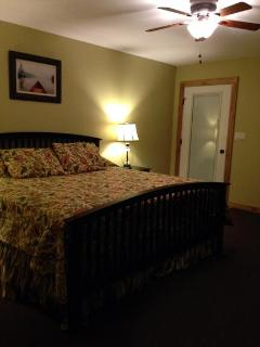 All 4 Bedrooms Have King Beds + 2 Queen foam mattresses For Extra Guest
