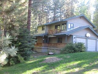 Tahoe Family Home, close to Heavenly and the lake, 6BR, hot tub, BBQ (SL241)