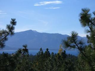 Lake Tahoe style town-home located in Lake Village resort (LV213), Stateline