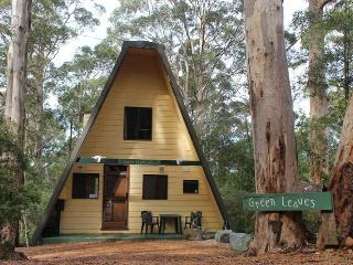 Green Leaves Cabin A-Frame
