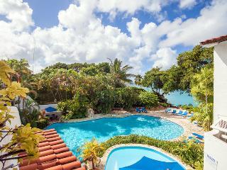 Merlin Bay - Hibiscus at Merlin Bay, Barbados - Beachfront, Pool, Spacious Sun Deck