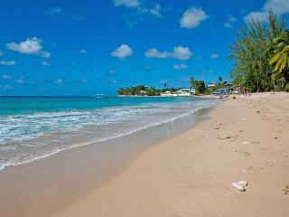 Whitecaps at Mullins, Barbados - Beachfront, Amazing Sunset View, Large Shady Open Air Terrace