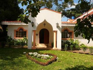 Modern Villa in Managua Centrally located house