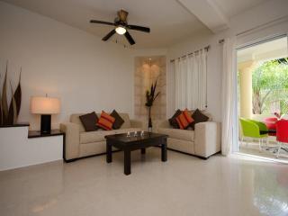 ATHENA 2 - 2 bedroom 2 bathroom, superb location!, Playa del Carmen