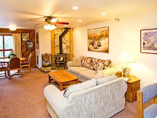 Aspen Creek 208 - Mammoth Condo - Near Eagle Lift, Mammoth Lakes
