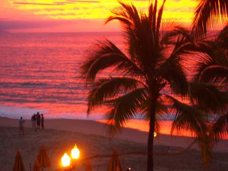 Spectacular View Romantic Beachfront Condo, Puerto Vallarta