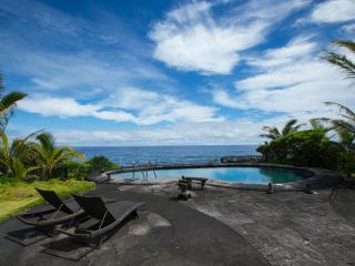 Oeanfront Luxury Home 3.5 Bdr. Heated Pool & Spa, Keaau