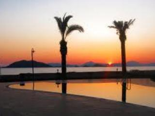 Sunset Beach Club 1 Bedroom Sea Front Apart, Fethiye