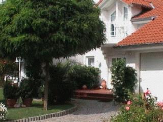 LLAG Luxury Vacation Apartment in Niedenstein - 861 sqft, blue, comfortable, cozy (# 3101)