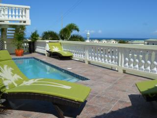 Luxury Island Living with Fabulous Views & Comfort, Frigate Bay