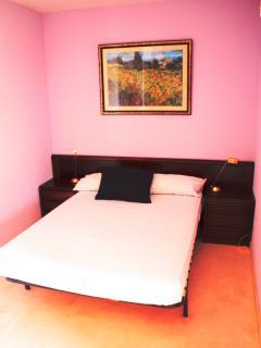 Bedroom 2 -QueenSize