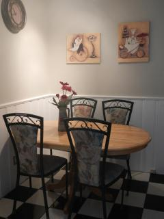 Corner dinette in kitchen