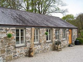 THE COTTAGE - COOMBE FARM HOUSE, stone cottage, with woodburner, off road parking, and patio garden, in Saint Neot, Ref 16672, St. Neot