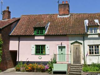 FEATHER COTTAGE, a former ale house, pet-friendly, with a garden, in Peasenhall, Ref 17093