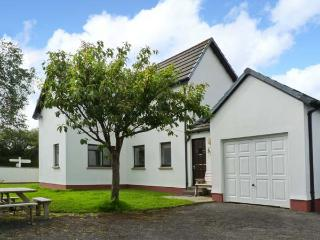 COWERN COTTAGE, detached cottage, with woodburner, off road parking, and spacious gardens, in Bradworthy, Ref 18021