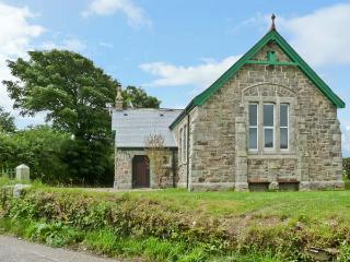 MOUNT JOY CHAPEL, near beaches, walks and cycle paths, with off road parking and an enclosed garden, near Newquay, Ref 5917